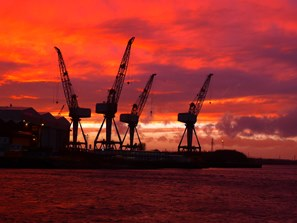 Picture of sunset over the River Clyde
